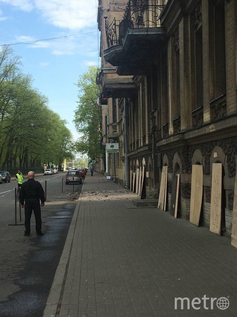 Фасад здания обрушился на Таврической улице. Фото Скриншот: https://vk.com/spb_today_unpublished