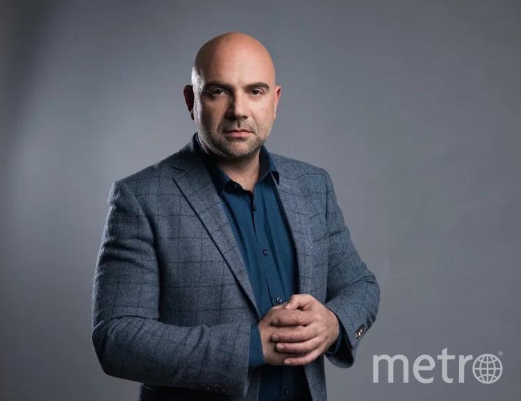 Известный тележурналист и лидер общественного движения Тимофей Баженов считает, что людям нужно дать возможность успеть посетить все культурные площадки. Фото Максим Манюров