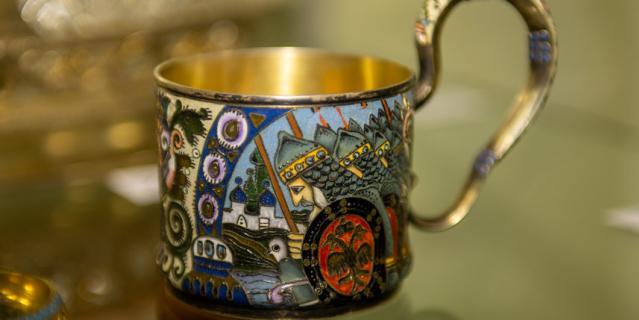На торгах будут выставлены уникальные экспонаты и предметы искусства.