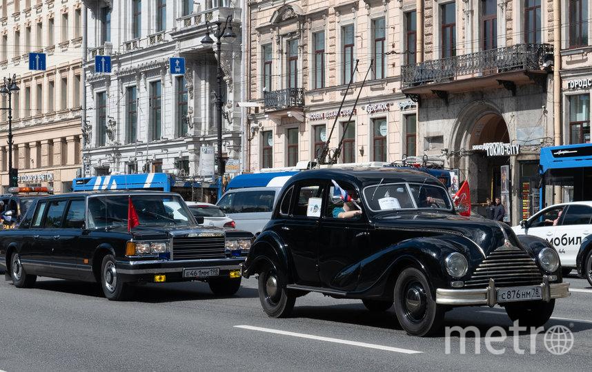 Всего в параде участвовали более 260 раритетов. Фото Святослав Акимов.