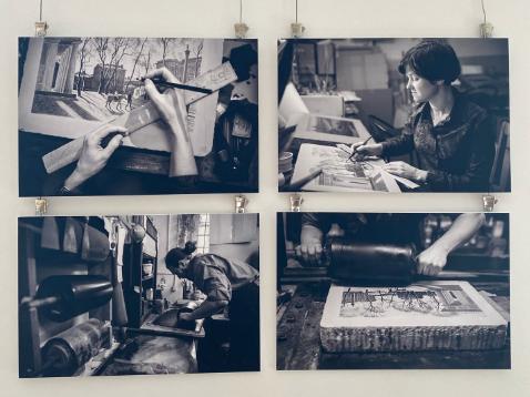 """Литография – это рисунок на камне, который путем химической реакции переносится на бумагу. Фото Галерея """"Мольберт"""", Предоставлено организаторами"""