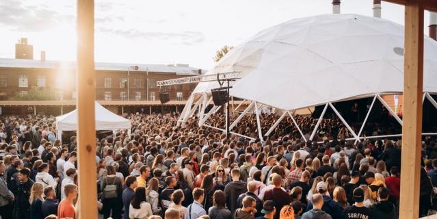 В этом году ROOF FEST пройдет в Петербурге уже десятый раз.