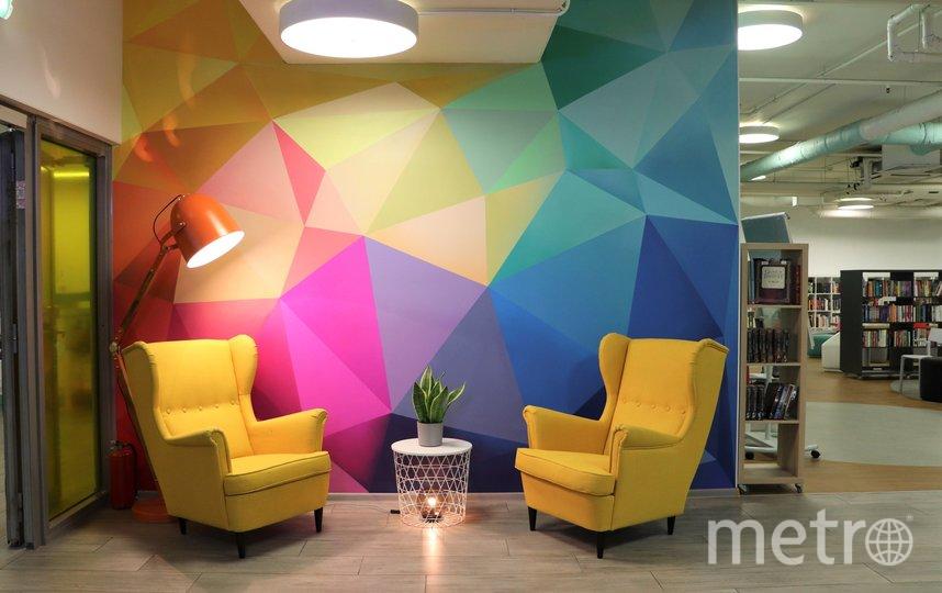 Где находятся самые неординарные библиотеки Петербурга. Фото vk.com/oxtalib.