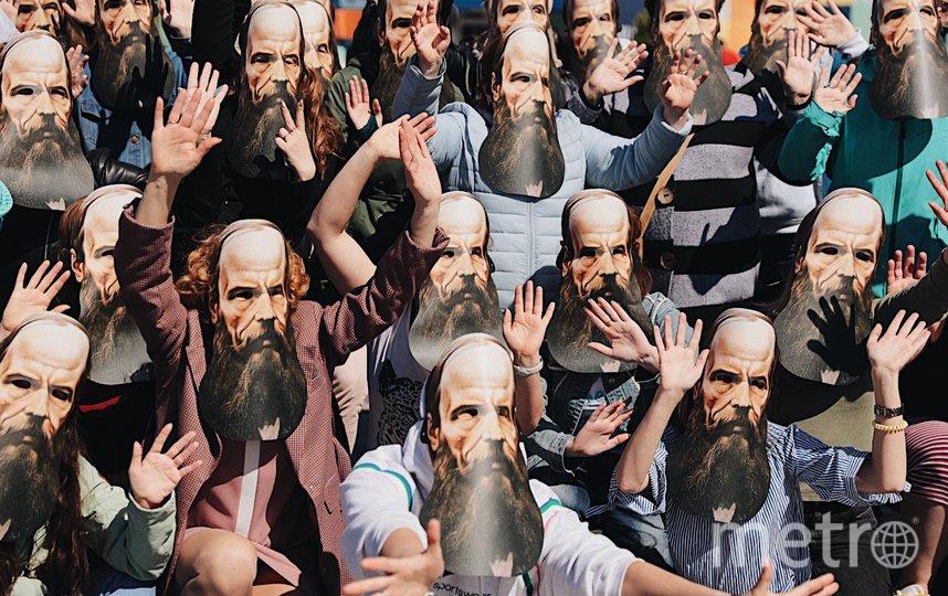 Все желающие смогут принять участие в массовом танце в масках Федора Михайловича Достоевского. Фото Предоставлено организаторами.
