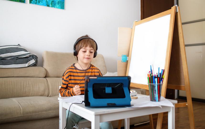 У современных детей намного больше источников информации, чем было у предыдущих поколений. Фото ISTOK