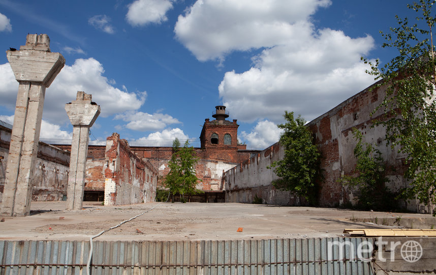 """Из этой башни в советские годы директор наблюдал за работой цеха. Фото Святослав Акимов, """"Metro"""""""