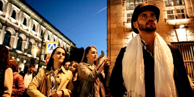 Илья Тиунов во время экскурсии.