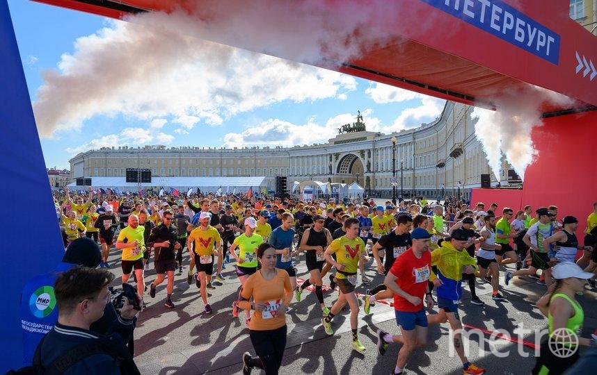 В Петербурге приняли участие 15000 бегунов. Фото https://vk.com/zabegrf