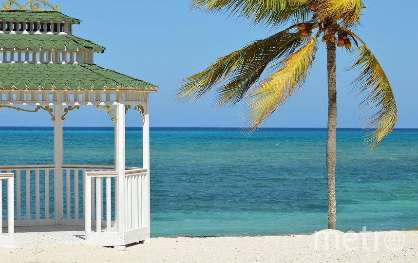 В первую очередь в чемодан для отдыха на море нужно положить солнцезащитное средство. Фото pixabay.com