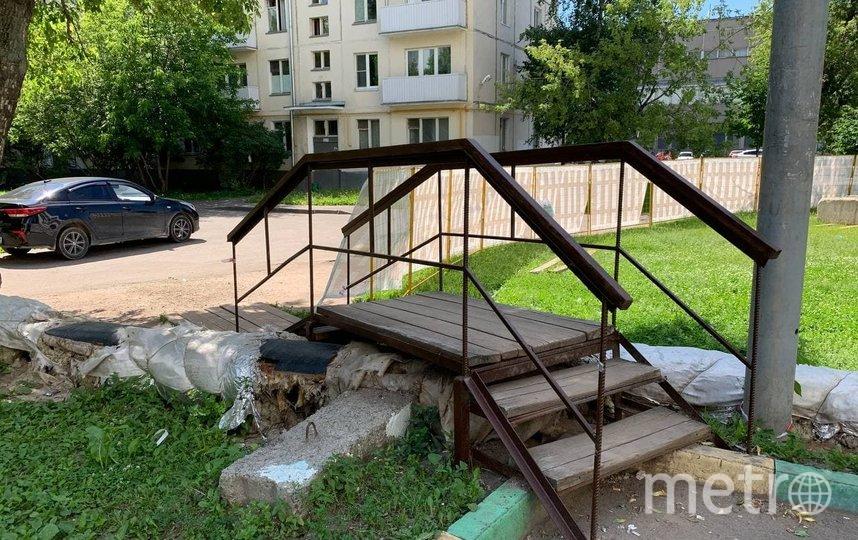В ближайшее время трубы демонтируют, а затем перенесут под землю. Фото Александр Чикин