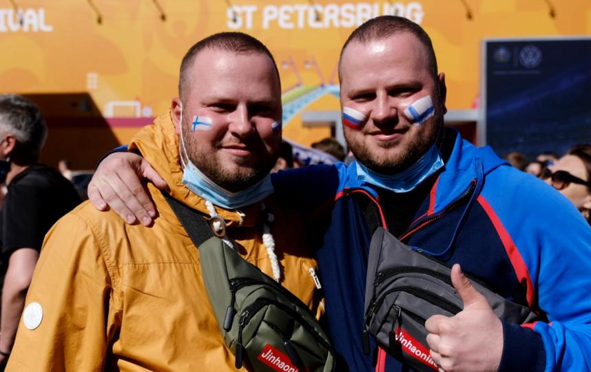 "Болельщики из Петербурга. Фото Алена Бобрович, ""Metro"""