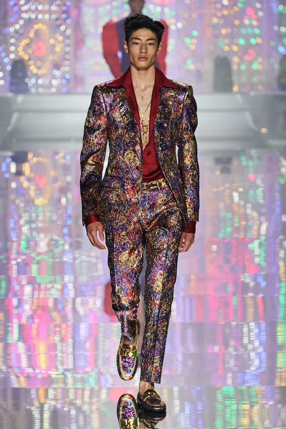 Dolce&Gabbana Light Therapy 2022. Фото Getty