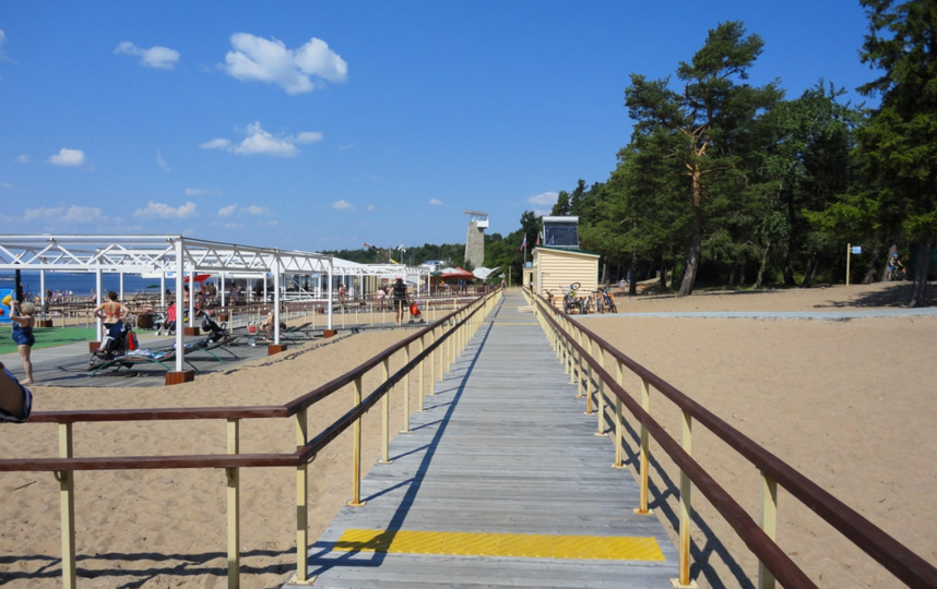 Песочные пляжи есть практически в каждом районе Петербурга. Фото https://www.gov.spb.ru/