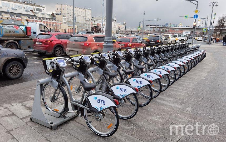 """В выставленных на торгах павильонах можно открыть пункт велопроката. Фото АГН """"Москва"""""""