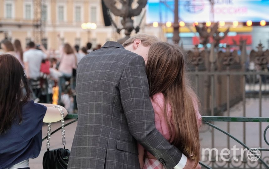 "В 22.00 начался концерт на Дворцовой площади. Фото Алена Бобрович, ""Metro"""