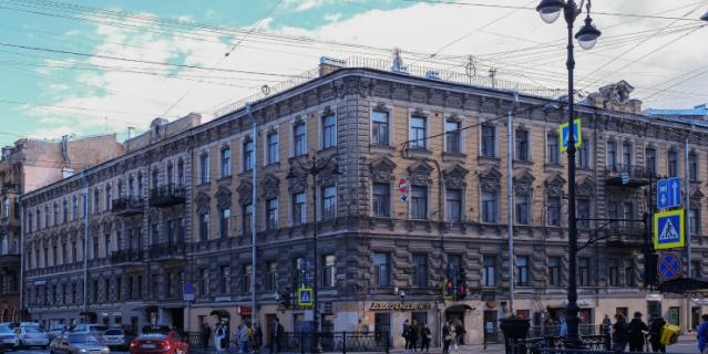 По мнению литературоведов, в этом доме жила Настасья Филипповна.