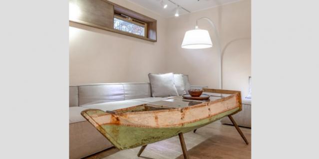 Вот так старые лодки, отжившие свой век, превращаются в мебель.