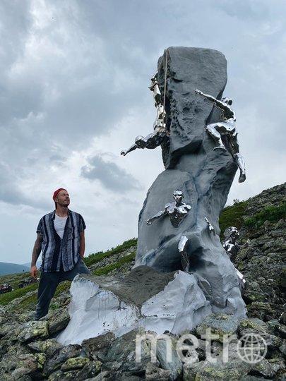 На перевале Дятлова появилась скульптура, посвященная погибшим студентам