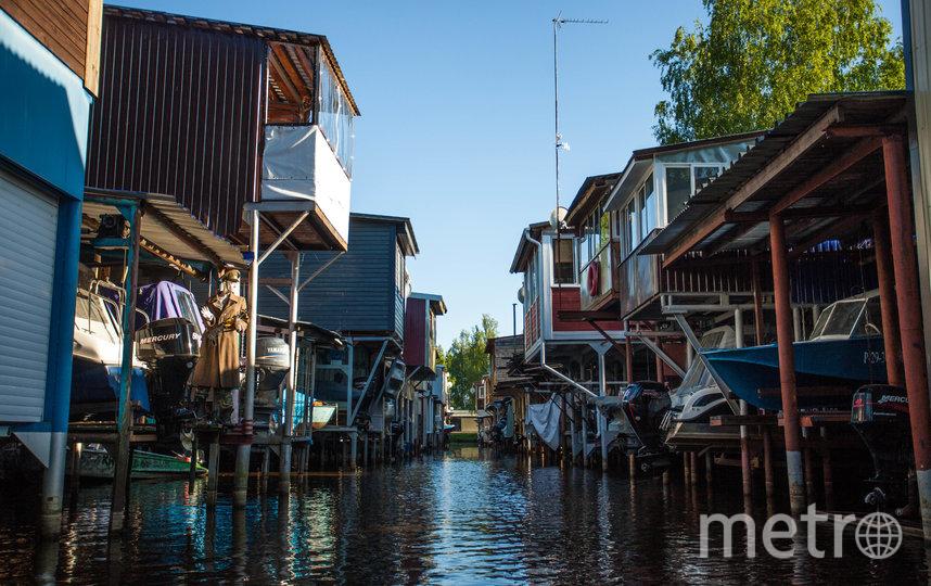 Один из переулков-каналов города на воде. Фото Сергей Пищулов