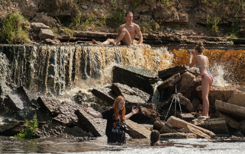 "Тосненский водопад одного возраста с Ниагарским, им обоим около 11 тыс. лет. Фото Алена Бобрович, ""Metro"""