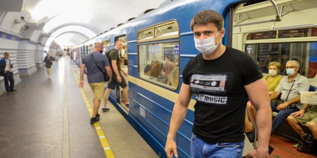 Сергей Боярский и сейчас часто пользуется метро.