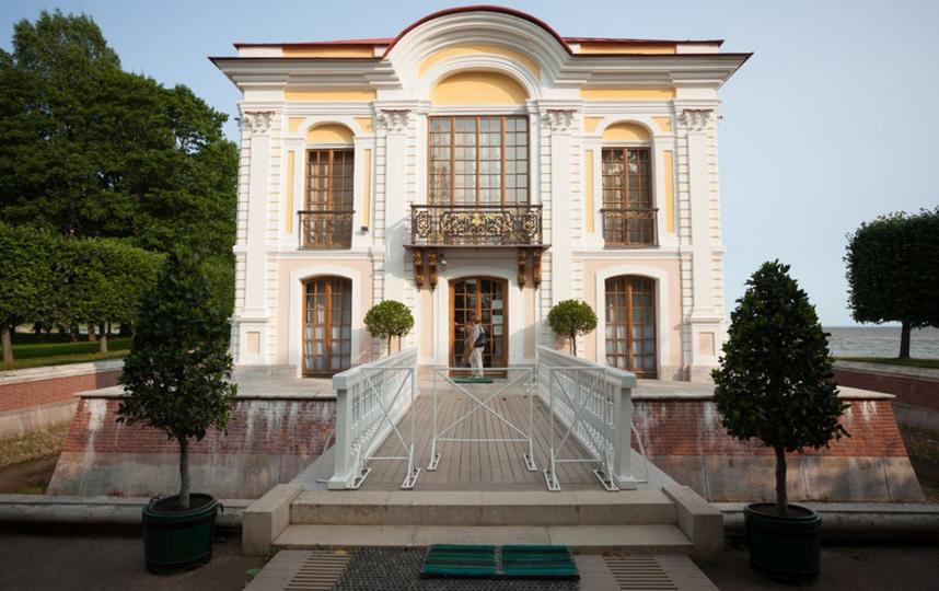 """Павильон """"Эрмитаж"""" в Петергофе. Фото https://peterhofmuseum.ru/"""