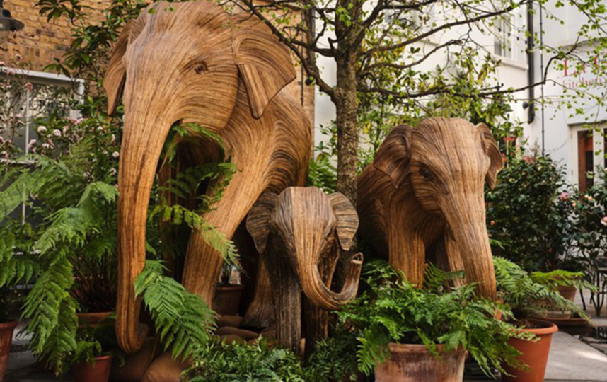 """Копии делали не только со взрослых слонов, но и со слонят разных возрастов. Эти животные – семейные, что роднит их с человеком. Фото предоставлено организацией """"Семья слонов"""""""