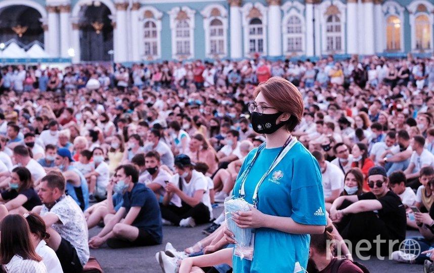 Фан-зона на Дворцовой площади. Фото Алена Бобрович