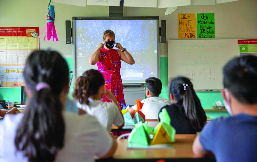 Психологическое развитие детей стало задерживаться, потому что ребята переставали ходить в школу и часто общаться со сверстниками. Фото Getty