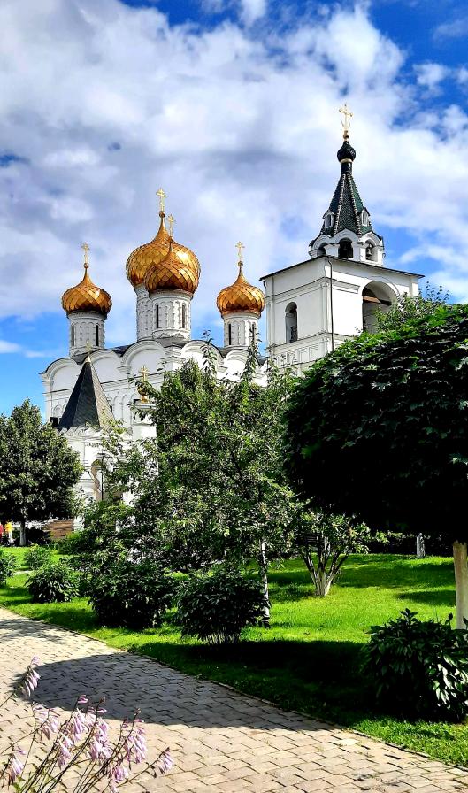 """Главным действующим храмом Ипатьевского монастыря является Троицкий собор. Фото Зина Белова, """"Metro"""""""