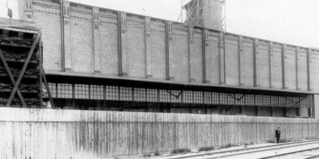 внешний вид склада-холодильника, 1914 год.