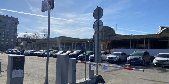 К 2023 году в центре Северной столице оборудуют 65 тысяч платных парковочных мест.