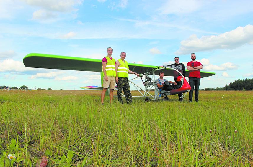 Электросамолёт E-2 может  складывать крылья и взлетать на 300 м.
