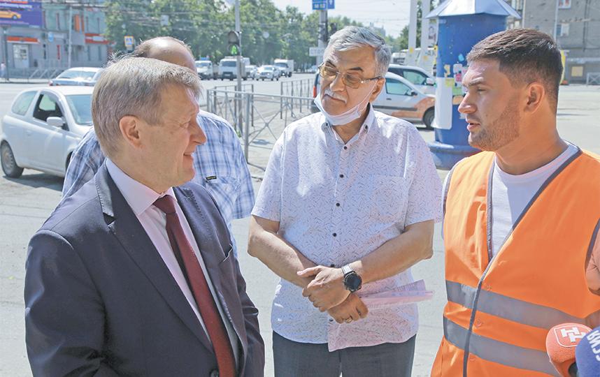 Анатолий Локоть провёл ряд выездных совещаний по ремонту дорожных объектов. Фото пресс-центр Мэрии Новосибирска