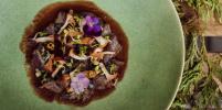 Сезонное меню с лисичками: где в Петербурге можно попробовать блюда с самыми летними грибами