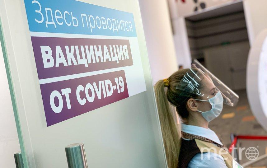 """Получить """"коробку здоровья"""" можно после вакцинации. Фото АГН """"Москва"""""""
