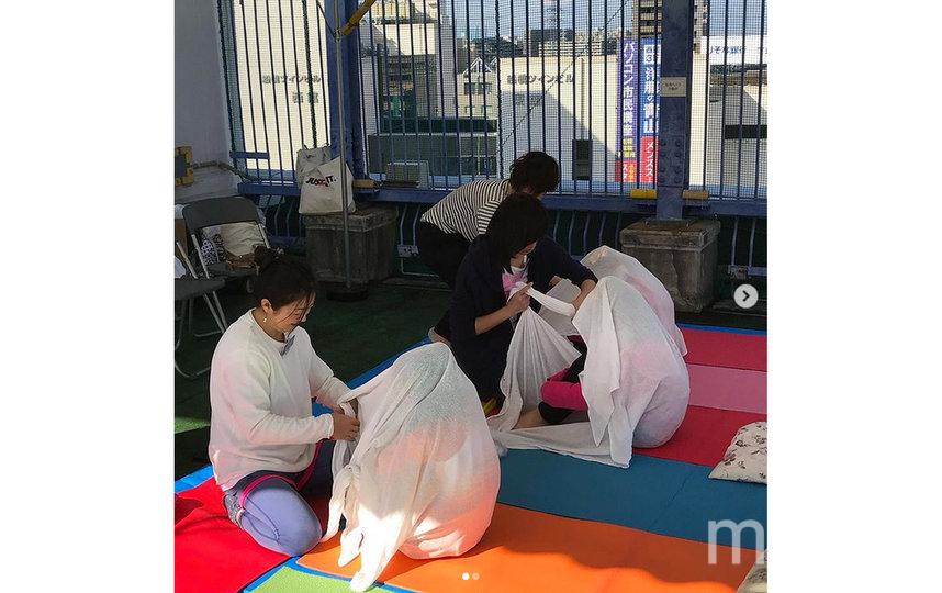 Подобный метод расслабления популярен в Японии. Фото Instagram@yayoi.maron
