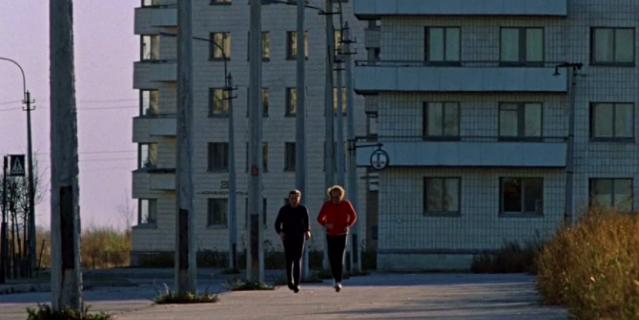 Главный герой Андрей Бузыкин и датчанин Билл Хансон во время утренней пробежки.