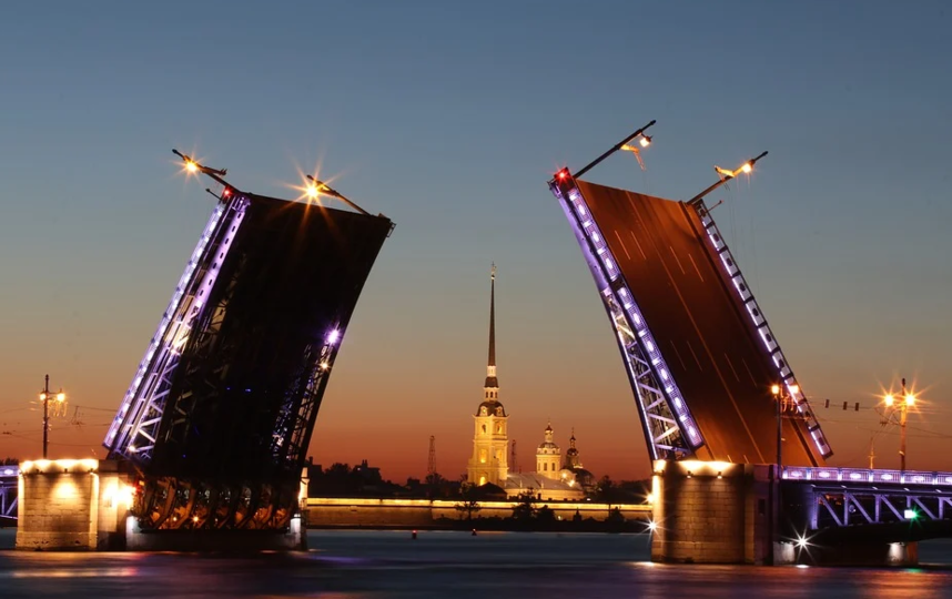В Петербурге не будут жесточать COVID-ограничения. Фото Pixabay.