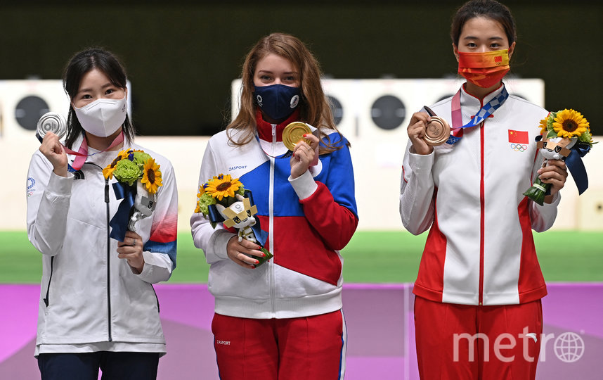 Обладательница серебра из Южной Кореи Мин Чон Ким – слева, в центре – Виталина Бацарашкина, справа – китаянка Цзяжуйсюань Сяо. Фото AFP