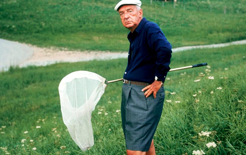 Последние 17 лет жизни Набоков прожил в Швейцарии. Фото из архива писателя: Владимир Владимирович с сачком. Фото Facebook.com/valentin.golovin.5