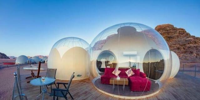 Также можно поселиться в пузырях в отеле Petra Bubble в пустыне Вади-Муса.