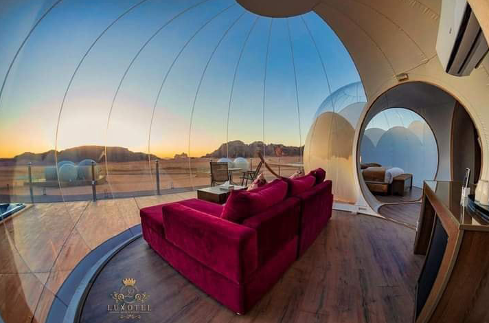 Останься один на один с пустыней. Фото Wadi Rum Bubble Luxotel