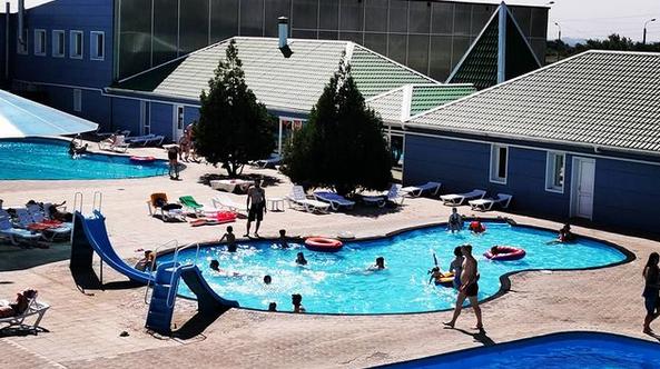 Скриншот Instagram @akvapark21vek_holiday.house.