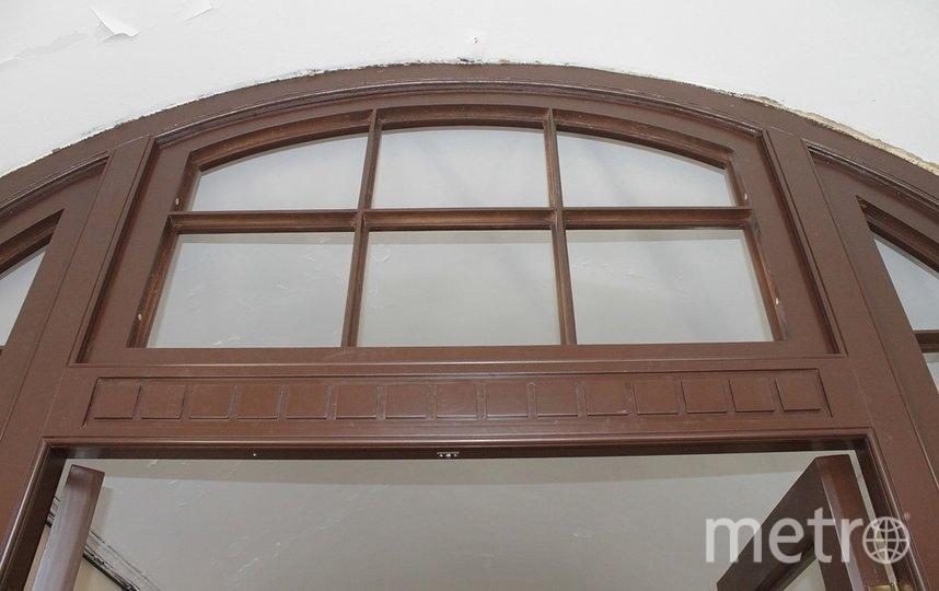 В доме-памятнике на Мытнинской отреставрировали двери. Фото vk.com/kostrovyaroslav.