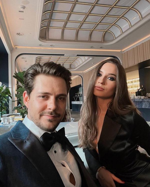 Милош Бикович с Ариной Волошиной. Фото Instagram: @arinavoloshina