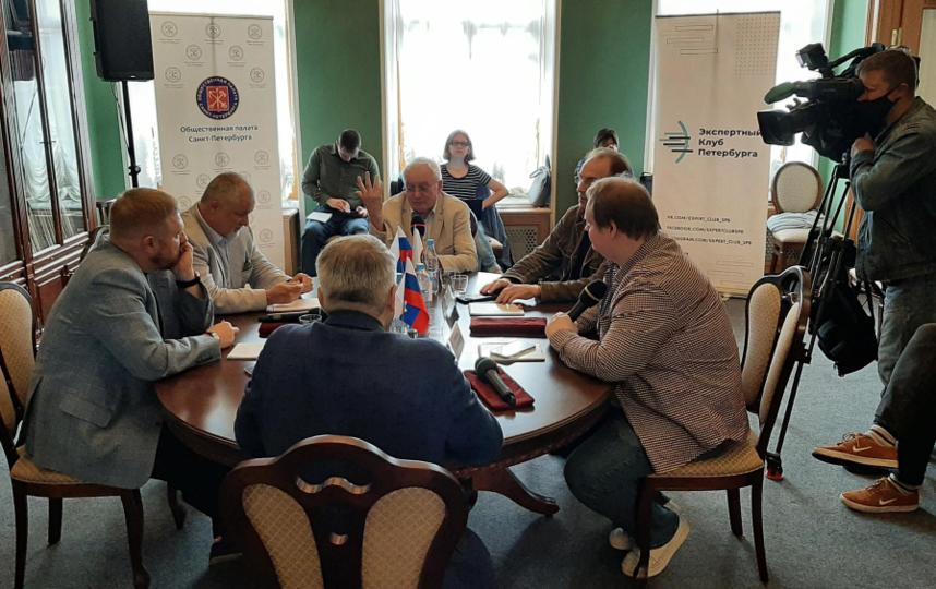 """Участники круглого стола обсудили, как привлечь избирателей на выборы. Фото Юлия Журавлева, """"Metro"""""""