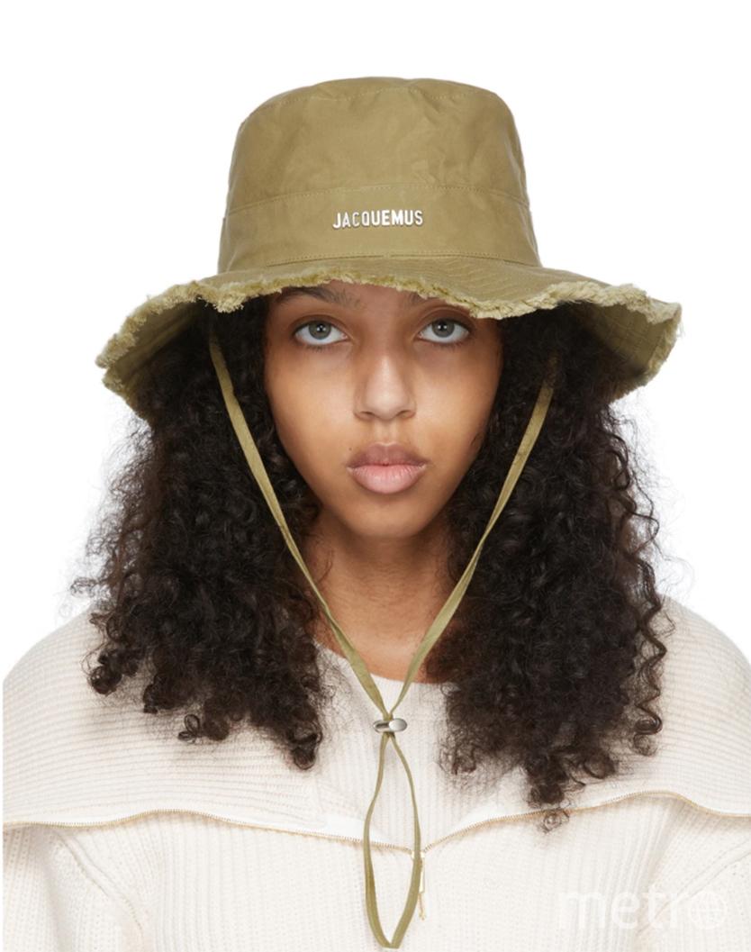 Шляпку от Симона можно найти за 9 тысяч рублей. Фото Metro World News.