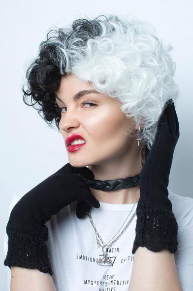 Автопортрет Василисы в роли Круэллы, которую играла Эмма Стоун. Фото Instagram: @vasilisavahromova