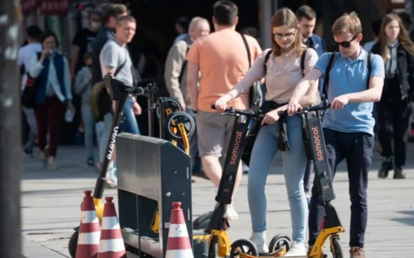 Новые ограничения для самокатов в городе возмутили бизнес. Фото Святослав Акимов.